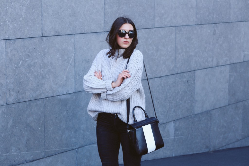 Basicapparel_blogger_fashion_newlook_paulsboutique_lespecs_knit_simmishoes