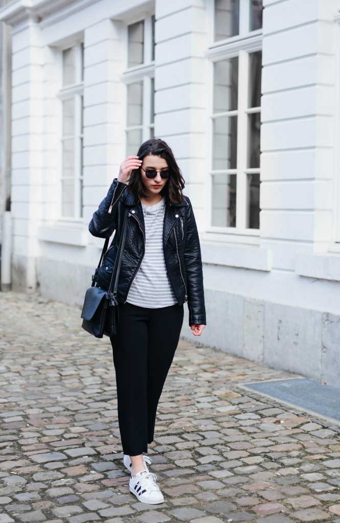 Outfit-Basicapparel-sophievandaniels-ace&tate-aceandtate-sunglasses-suitpants-suit-blogger-bloggerstyle-bloggertrend-cos-zara-adidas-sneakers-streetstyle-28