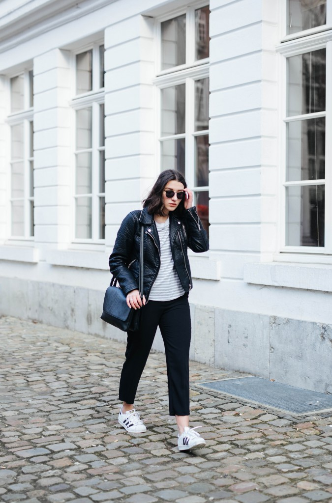 Outfit-Basicapparel-sophievandaniels-ace&tate-aceandtate-sunglasses-suitpants-suit-blogger-bloggerstyle-bloggertrend-cos-zara-adidas-sneakers-streetstyle-3