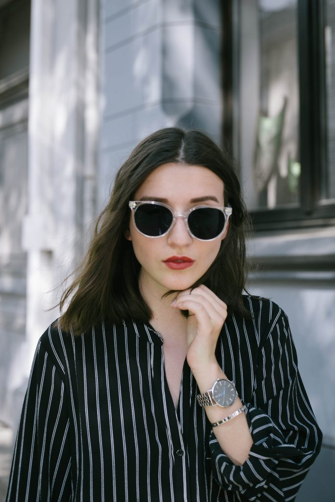 Basicapparel-polette-testing-sunglasses-glasses-summer-minimal-widepants-wide-stripes-black-white-blogger-fashion-sophievedaniels-trend-13