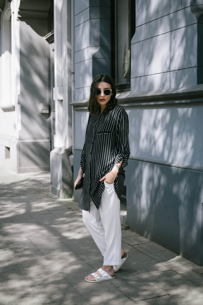 Basicapparel-polette-testing-sunglasses-glasses-summer-minimal-widepants-wide-stripes-black-white-blogger-fashion-sophievedaniels-trend-2