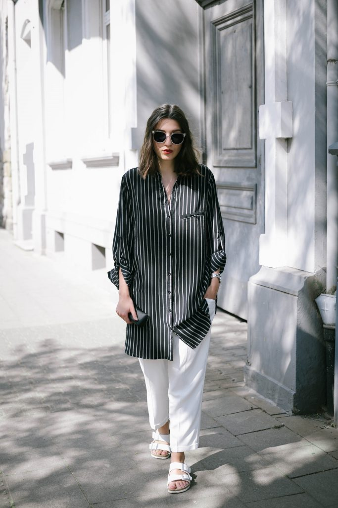Basicapparel-polette-testing-sunglasses-glasses-summer-minimal-widepants-wide-stripes-black-white-blogger-fashion-sophievedaniels-trend-4