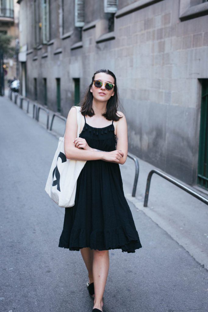 Basicapparel-sophievandaniels-barcelona-travel-traveldiary-polette-boohoo-aceandtate-fashionblogger-12