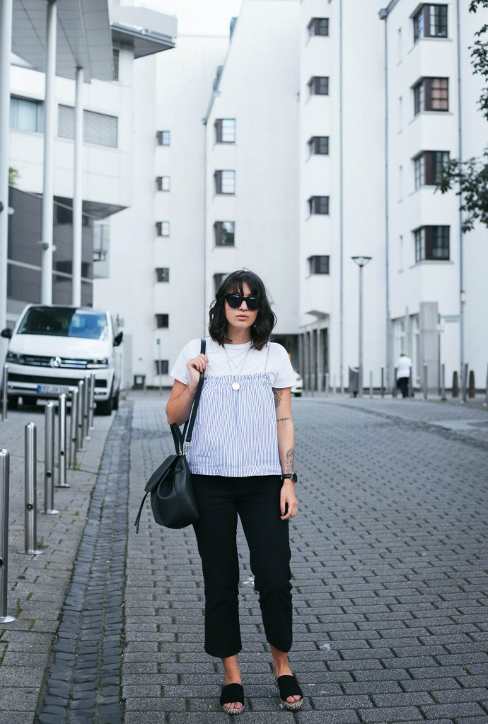 basicapparel-sophievandaniels-hair-bangs-cologne-funktionschnitt-summer-streetstyle-minimal-2